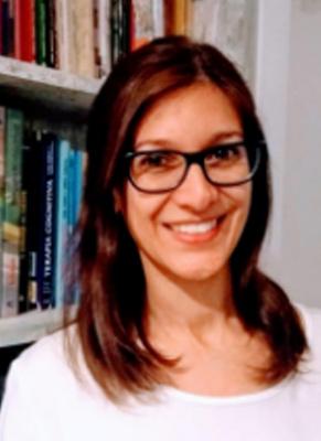 Yanina Garis